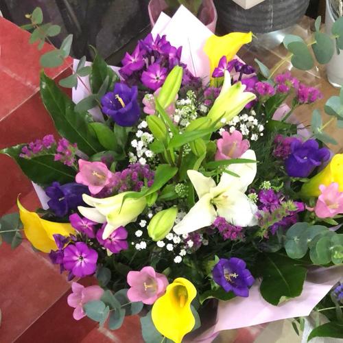 זר פרחים 3
