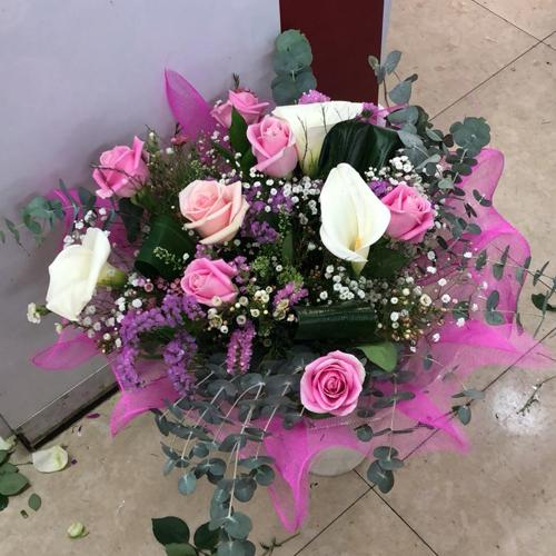זר פרחים 15